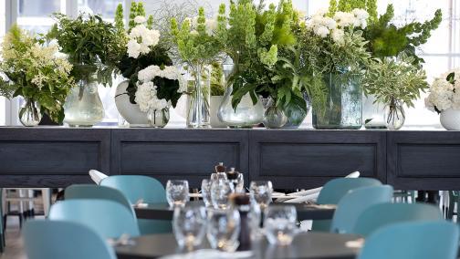 Garden Kitchen & Bar Table Flowers