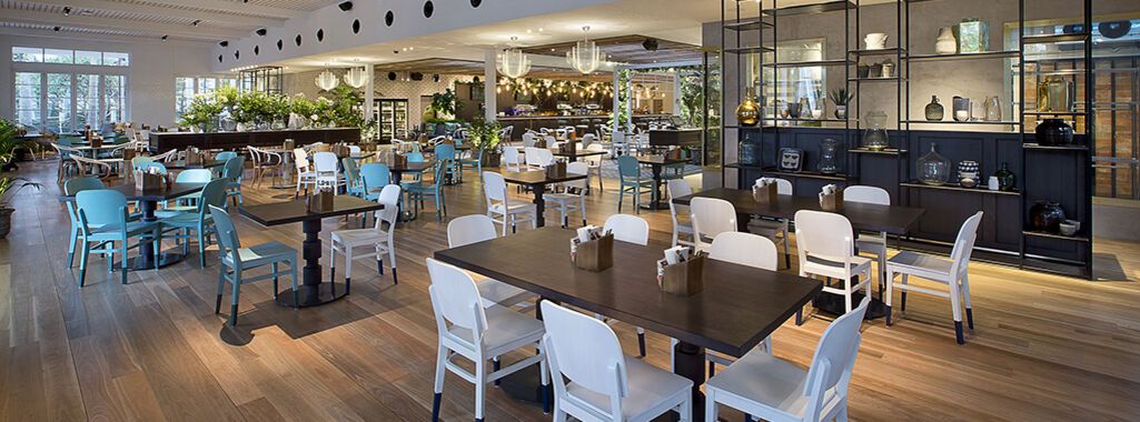 Garden kitchen bar modern dining broadbeach the